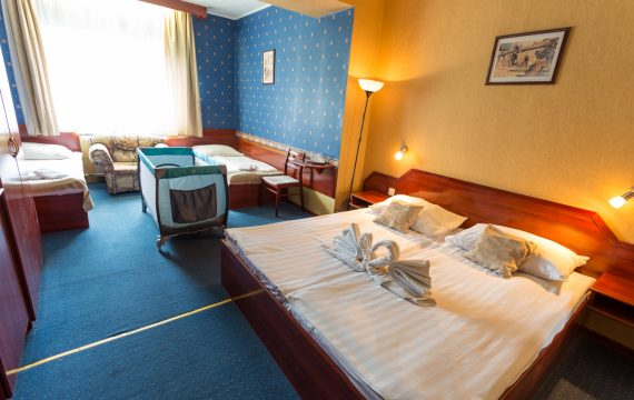 standard négyágyas szoba - classic hotel3